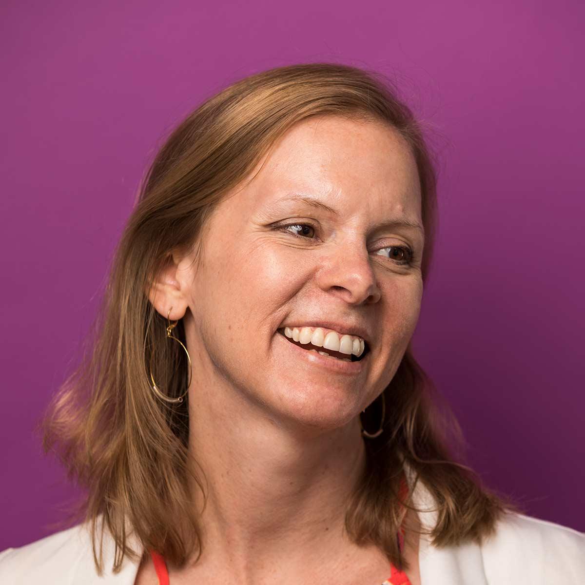 Melanie Barna Headshot